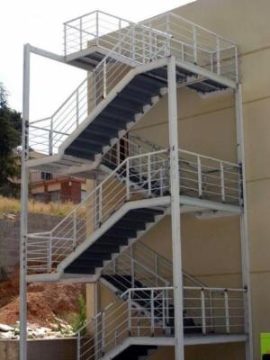 Estructuras metalicas y proyectos en general lima av for Escaleras de emergencia